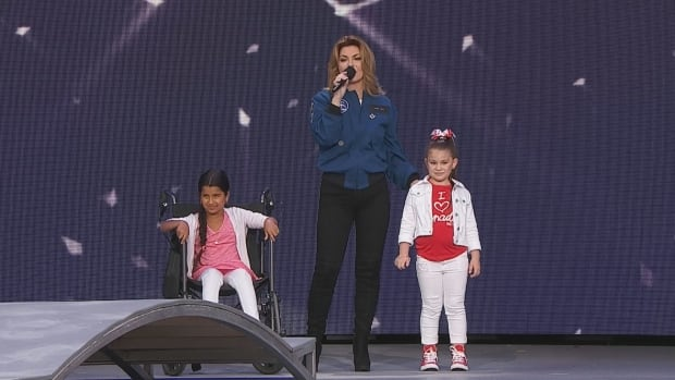 Shania Twain and 2 budding astronauts