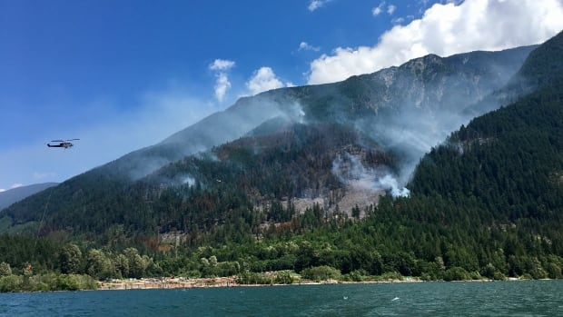 Harrison Hot Springs wildfire prompts notice-to-leave order