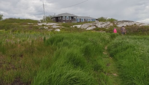 Path to Terence Bay lighthouse