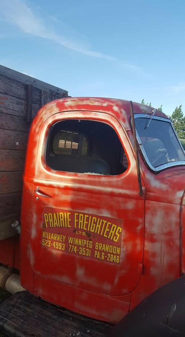Vandals damage vintage trucks week before southern Manitoba car ...