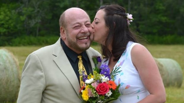 Lightning bolt strikes bride's father during wedding ceremony