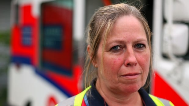 Canada Post employee Julie Stewart thought she was having a heart attack, but doctors said her heart was fine and asked if she might have been exposed to carbon monoxide.