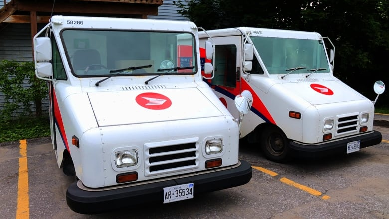 Aging Delivery Trucks Poisoning Us Postal Workers Claim