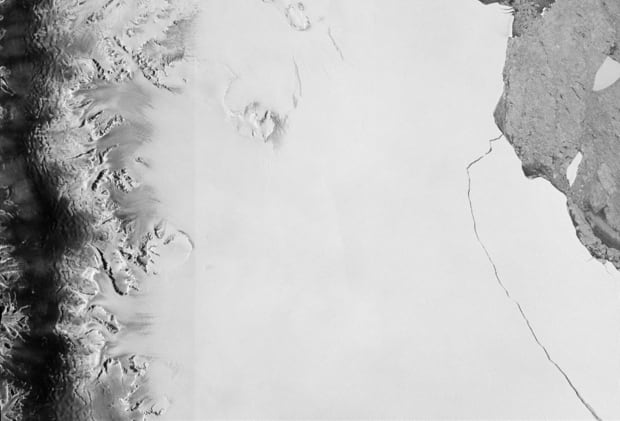 ANTARCTICA-ICEBERG/