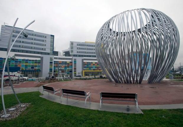 Montreal Superhospital 20141107