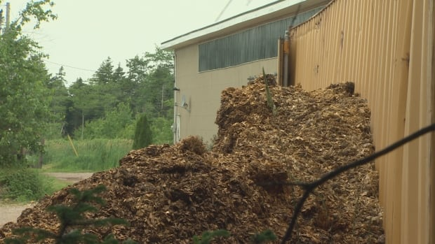 Residents near Memento Farm in Lucasville have complained about offensive odours and runoff from the operation's manure piles.