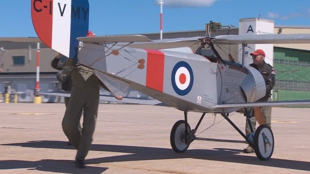 Two First World War bi-wing fighter planes will be on display at the London Jet Museum this weekend.