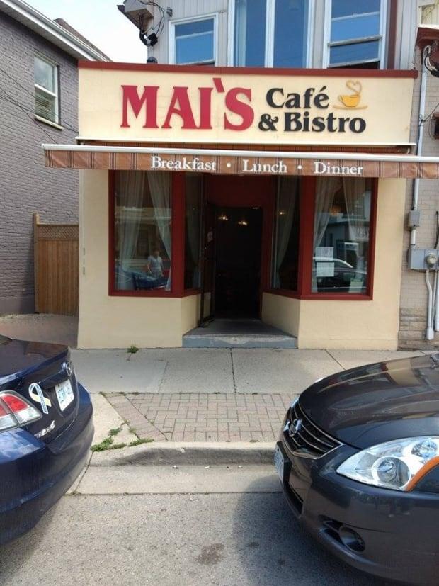 Mai's Cafe & Bistro