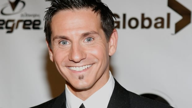Rick Campanelli has been an ET Canada co-host since 2005, when the U.S. show Entertainment Tonight launched its Canadian franchise. Before ET Canada, he gained notoriety as a video jockey on MuchMusic.
