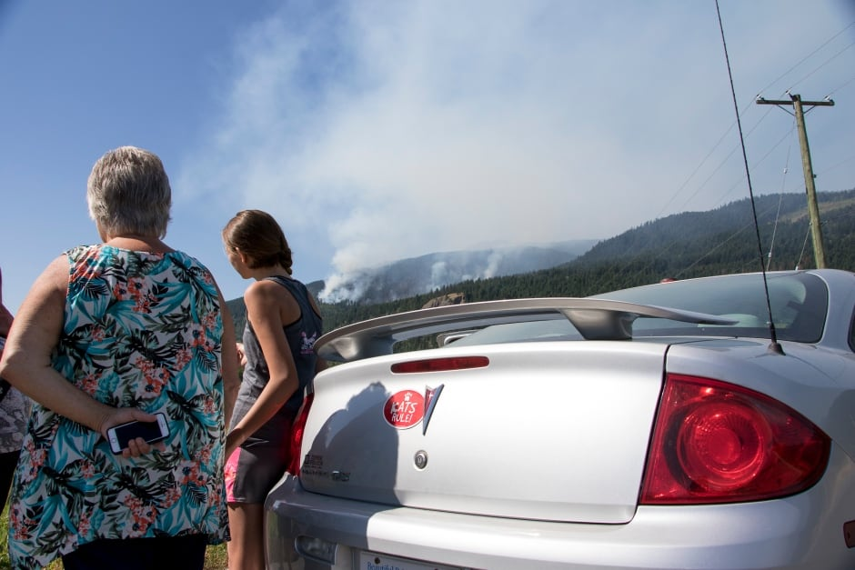 BC Wildfire Watching it as it burns Little Fort