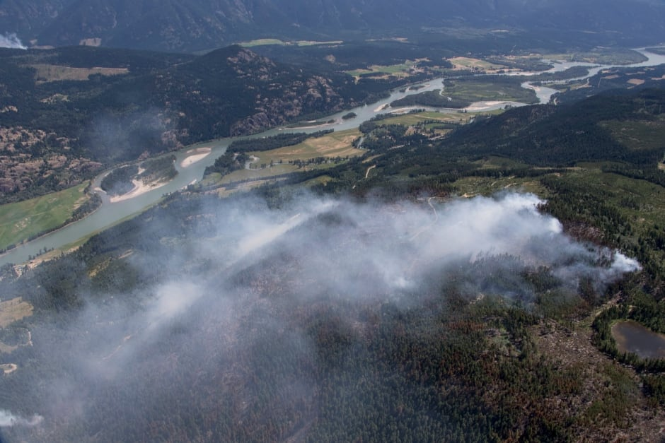Smoke Little Fort seen from above BC Wildfire