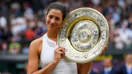 Garbine Muguruza blasts past Venus Williams to claim Wimbledon crown