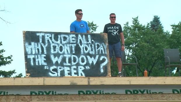 Daxton Yont protest Trudeau