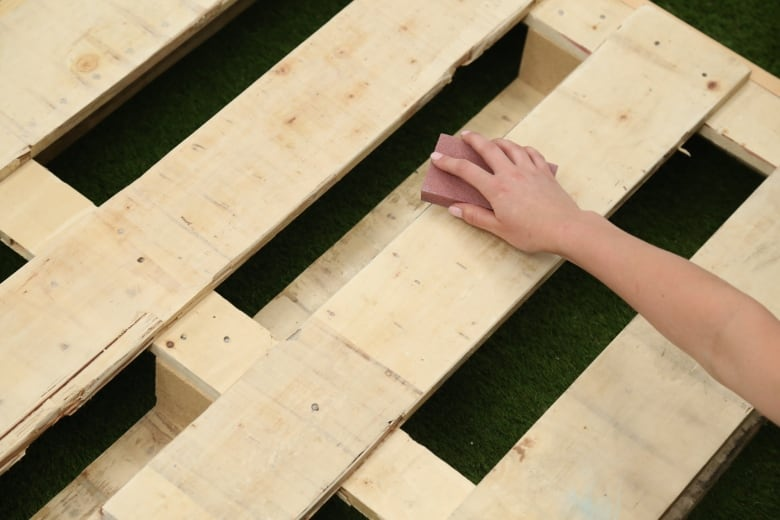 DIY wood pallet herb garden | CBC Life