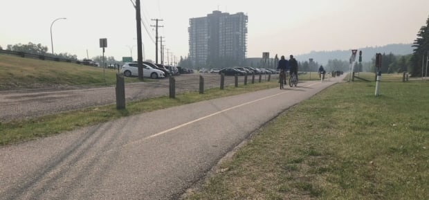 Reduced air quality in Calgary due to B.C. wildfires