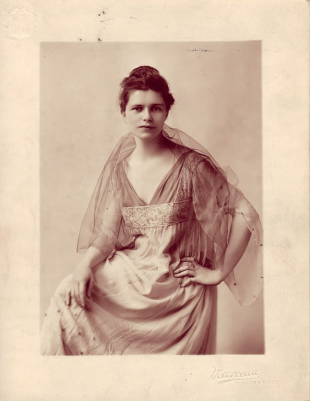 Florence James in 1916