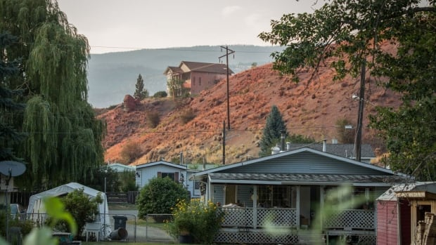 Evacuees began returning to Cache Creek on Tuesday.