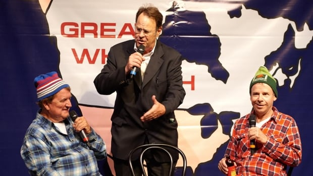 Rick Moranis and Dave Thomas, playing brothers Bob and Doug McKenzie, returned to The Great White North to raise money for Thomas's nephew, whose spinal cord was severed in a snowmobile accident in January. They had a little help from Dan Aykroyd.