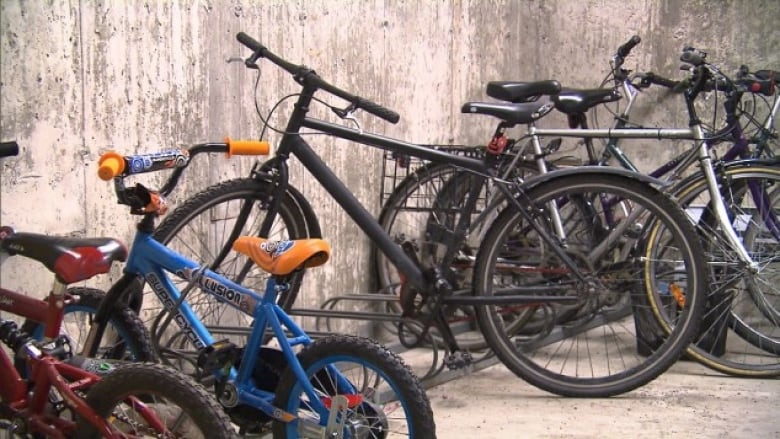 Man pays $500 to get his stolen bikes back from pawn shop
