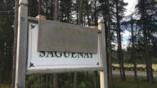 saguenay ville blanche racist sign