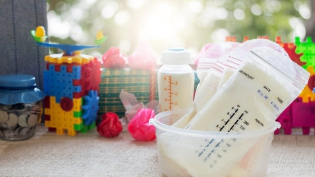 Once pumped, breast milk needs to be stored carefully, health officials in the U.S. warn after a preemie developed meningitis by contaminated milk from a breast pump.