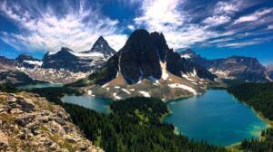 Active wildfire forces closure of Mount Assiniboine Provincial Park