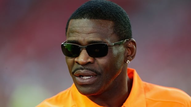 NFL Hall of Fame wide receiver Michael Irvin will not be charged with sexual assault, according to a Florida state attorney.
