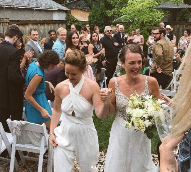 Kristen Stewart and girlfriend crash Winnipeg wedding