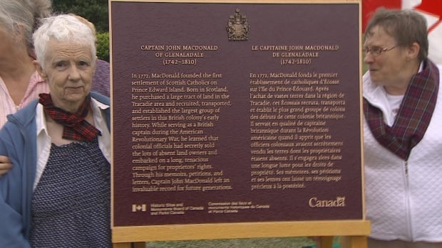 A plaque honouring Captain John MacDonald, who founded the first settlement of Scottish Catholics on P.E.I., was unveiled in Scotchfort on Friday.