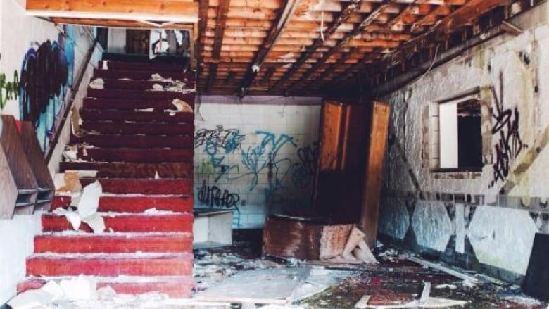Abandoned motel in Heyden
