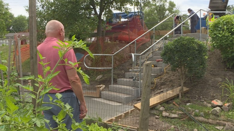 City replaces this man's homemade Tom Riley Park staircase