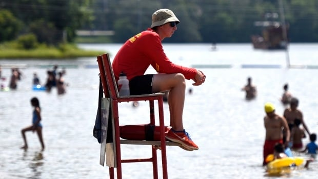 outdoor workers at risk of heat stroke