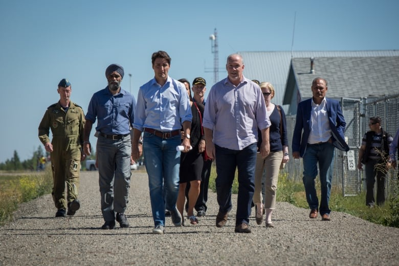 Pipeline, opioid crisis likely on agenda as Trudeau meets with Vancouver mayor
