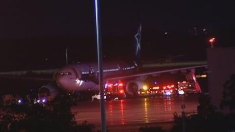 Ottawa airport July 31 2017 Air Transat flight delayed emergency crews