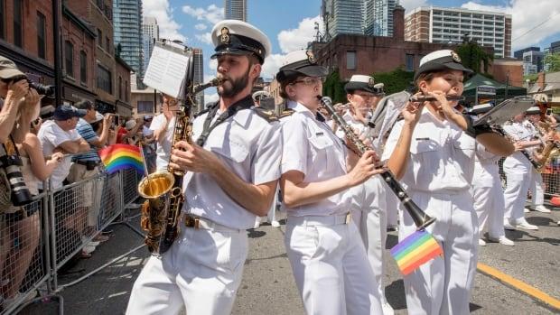 Полиция задержала 17 человек, напавших на участников фестиваля ЛГБТ в Запорожье - Цензор.НЕТ 9243