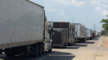 Eyes on the road: Ontario Trucking Association puts stricter rules in place after increase in deadly crashes