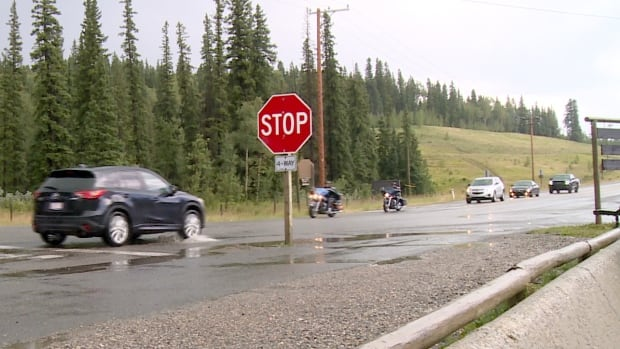 Residents have started an online petition asking the province to improve an intersection in Bragg Creek which is often backed up, leaving motorists fuming.