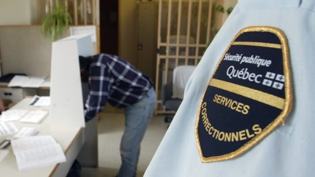 Prison guards in Quebec are worried that legalizing marijuana could create safety issues.