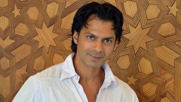 Reza Juma has found success writing novels in Spanish.