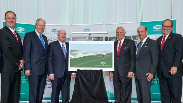 U.S. Commerce Secretary Wilbur Ross (second from right) was an invited guest at JD Irving Ltd's job announcement last week in Macon, Georgia.
