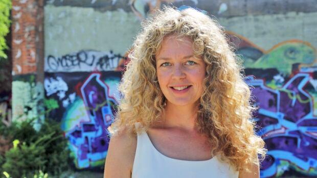 "Juno Rinaldi from ""Workin' Moms"" is starting a brand new film school program in Hamilton, alongside her partner Shaun Smyth."