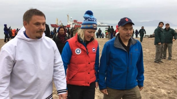 From left to right, P.J. Akeeagok, president of the Qikiqtani Inuit Association, Catherine McKenna, minister of Environment and Climate Change and minister responsible for Parks Canada, and Joe Savikataaq, Nunavut's minister of Environment.