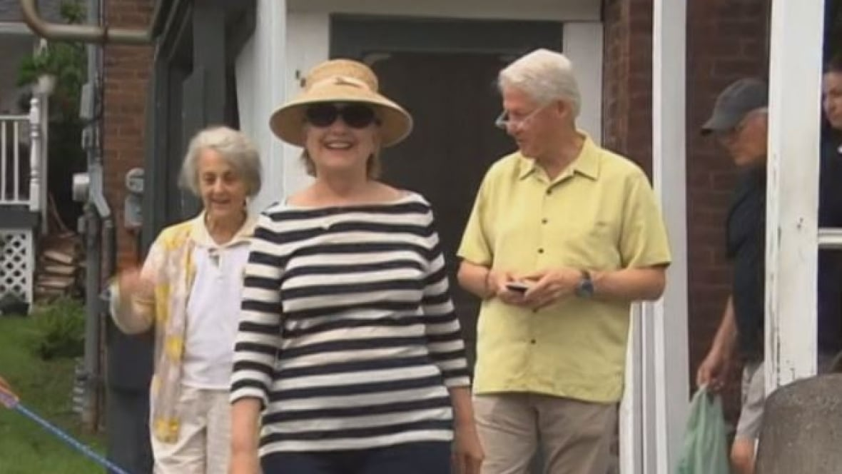 Hillary And Bill Clinton Spotted Shopping In Quebec 39 S