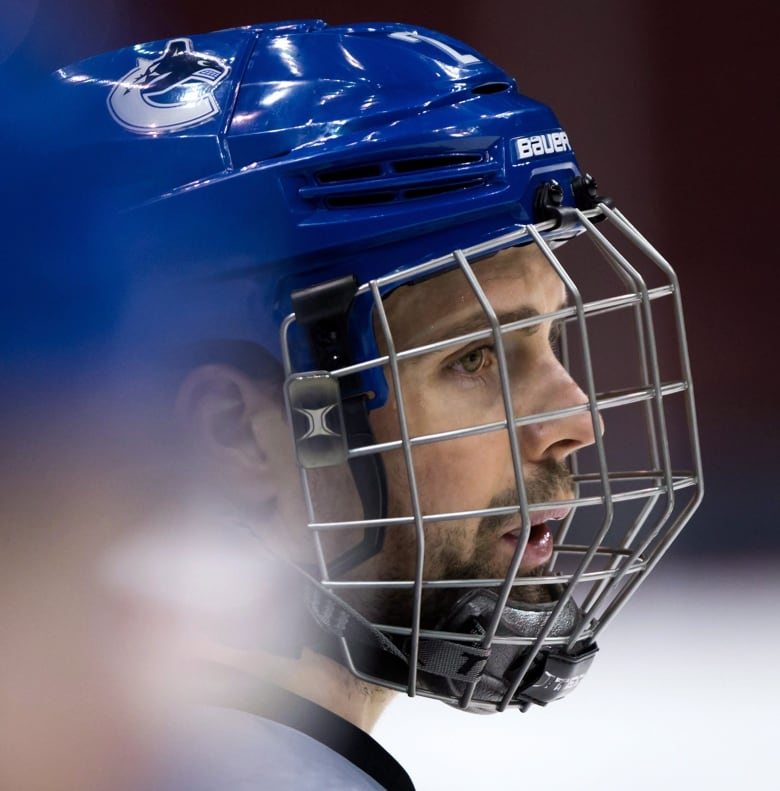Vancouver Island Junior Hockey Team Makes Full Face Protection Mandatory For Players Cbc News