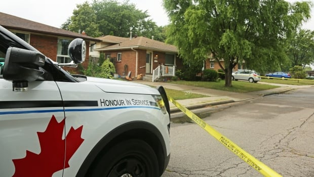 Windsor investigating a double stabbing near the corner of Jefferson Boulevard and Rose Avenue on August 17, 2017. (Dan Taekema/CBC Windsor)
