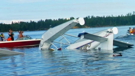 Pilot lucky to escape after crashing float plane on Comox Lake
