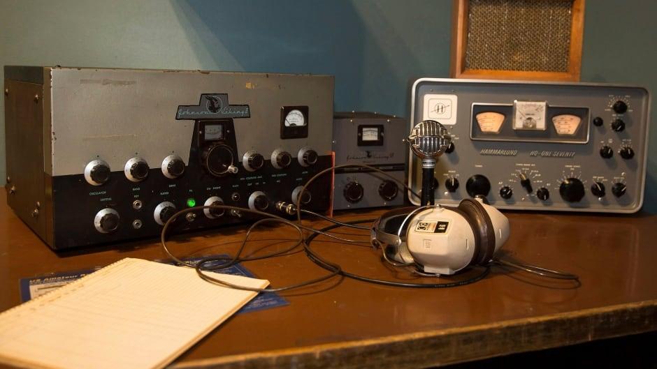 A vintage ham radio set-up