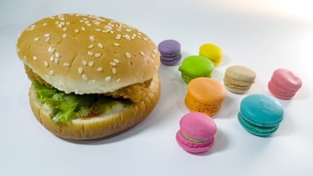 hamburger macarons junk food