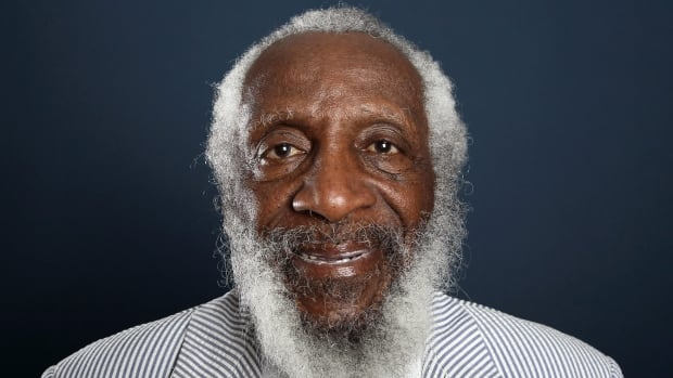 Comedian and activist Dick Gregory, who deftly commented upon racial divisions in his comedy, died at age 84.