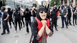 Quebec City far-right demonstration held up by counter-protesters